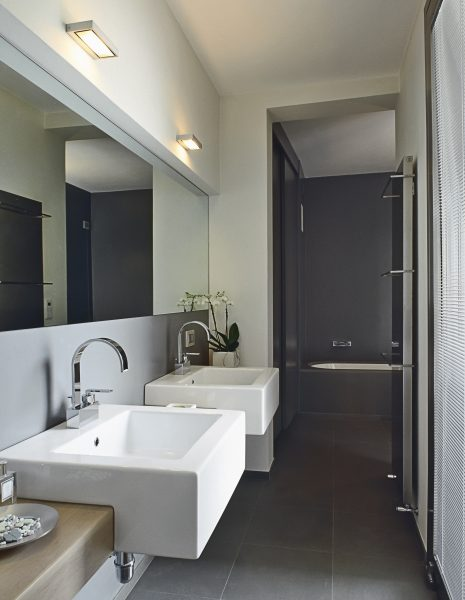 14420945 - modern bathroom with two washbasin and bathtub